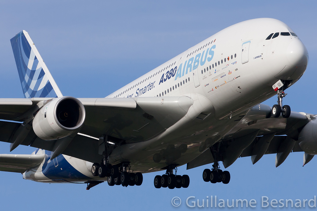 The flying zone a380 en asie for Avion airbus a380 interieur