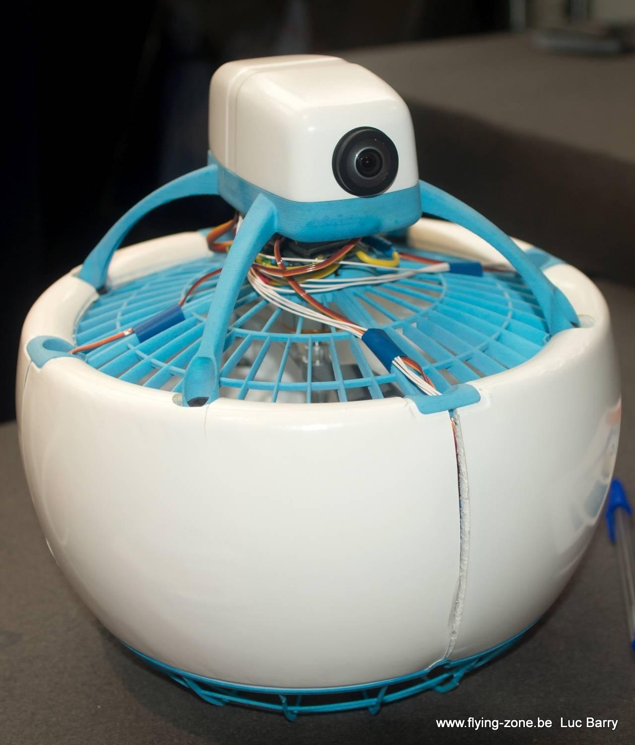 avis un drone